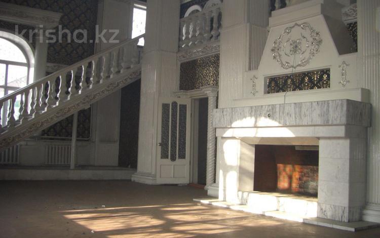 7-комнатный дом, 387 м², 9.05 сот., Андронникова за 125 млн 〒 в Алматы, Турксибский р-н