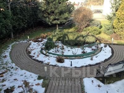 10-комнатный дом, 1400 м², 40 сот., Аскарова за ~ 1.2 млрд 〒 в Алматы, Бостандыкский р-н — фото 2