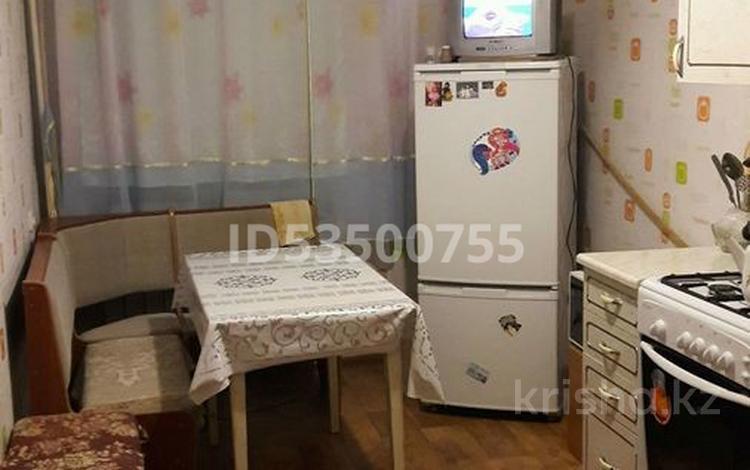4-комнатная квартира, 78 м², 3/5 этаж, 7-й микрорайон 9 за 8.5 млн 〒 в Лисаковске