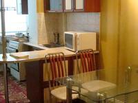 2-комнатная квартира, 80 м², 2/5 этаж посуточно
