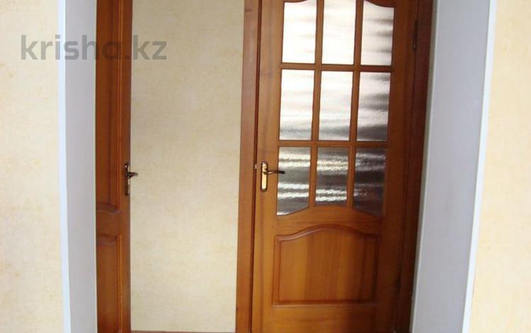 4-комнатная квартира, 108.1 м², 4/4 этаж, Толе би 40 — Айтиева за 20 млн 〒 в Таразе