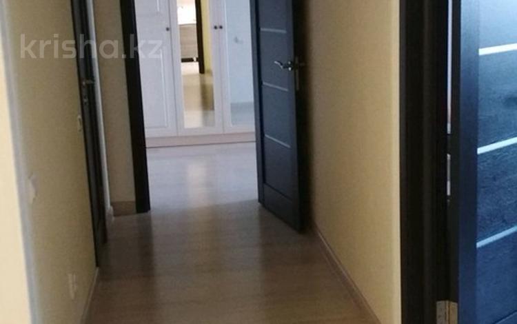 2-комнатная квартира, 80 м², 10/12 этаж, Сейфуллина за 24 млн 〒 в Нур-Султане (Астана), р-н Байконур