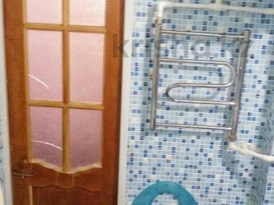 3-комнатная квартира, 62 м², 5/5 эт., 11А микрорайон за 8 млн ₸ в Караганде, Октябрьский р-н — фото 9