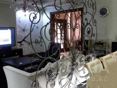 4-комнатная квартира, 220 м², 4/5 этаж, Мкр Юбилейный — Омаровой за 207 млн 〒 в Алматы, Медеуский р-н — фото 3