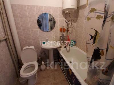 1-комнатная квартира, 37 м², 3/5 этаж, Валиханова 11 за 2.5 млн 〒 в Алге — фото 9