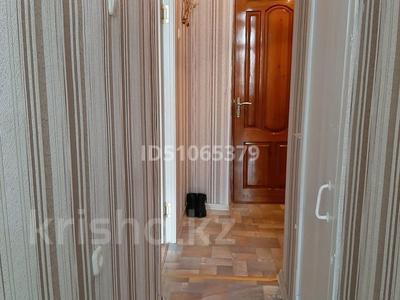 1-комнатная квартира, 37 м², 3/5 этаж, Валиханова 11 за 2.5 млн 〒 в Алге — фото 7