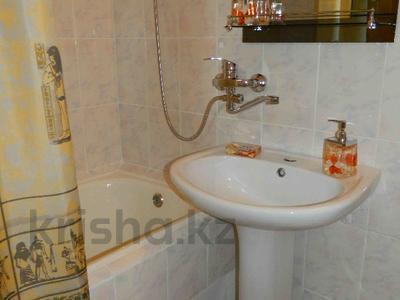 2-комнатная квартира, 52 м², 3/5 этаж посуточно, Жибек жолы 43 за 10 000 〒 в Шымкенте — фото 3