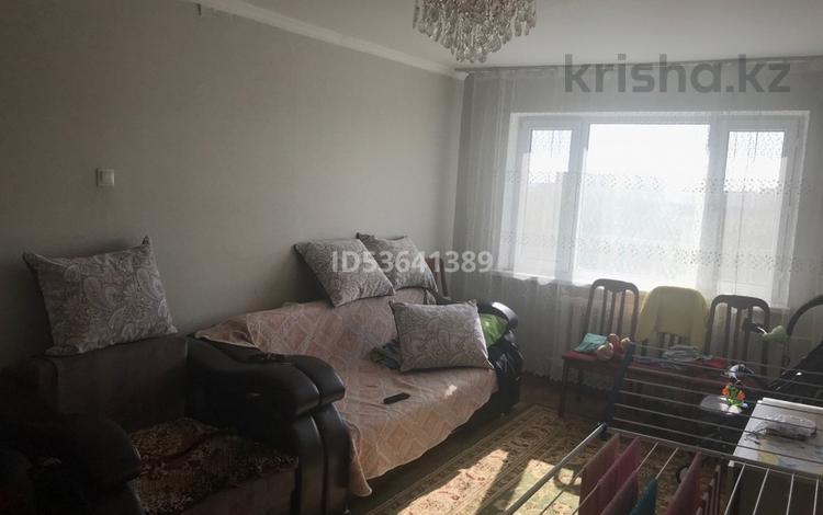 3-комнатная квартира, 52 м², 5/9 этаж, Строителей 19 за 15 млн 〒 в Караганде, Казыбек би р-н
