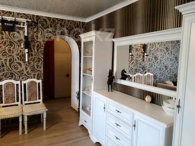3-комнатная квартира, 75 м², 3/9 этаж, Ермекова 52 за 19 млн 〒 в Караганде, Казыбек би р-н