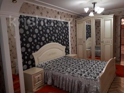3-комнатная квартира, 78 м², 5/5 этаж посуточно, Акмешит 29 за 10 000 〒 в  — фото 3