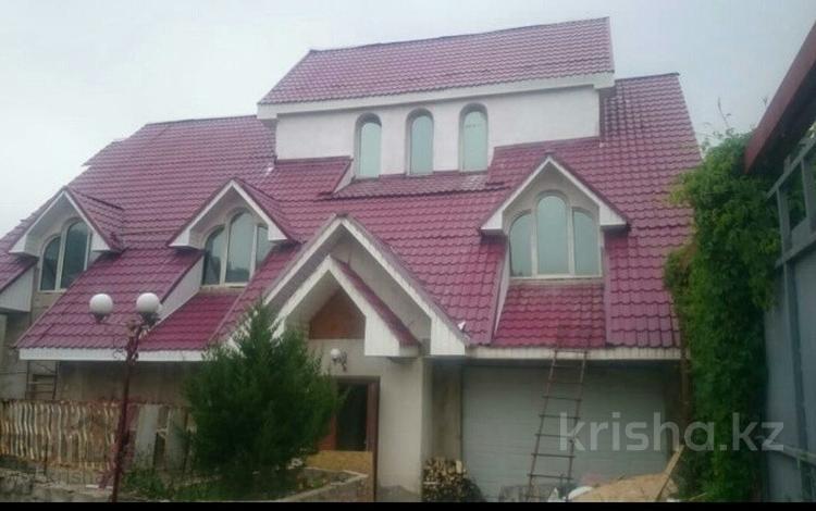9-комнатный дом, 650 м², 12.55 сот., мкр Каменское плато за 49 млн ₸ в Алматы, Медеуский р-н