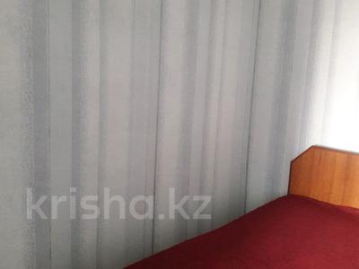 2-комнатная квартира, 51 м², 9/10 эт. посуточно, Шакарима за 5 000 ₸ в Семее — фото 3