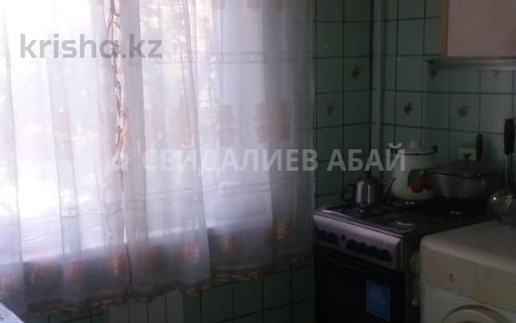 3-комнатная квартира, 58 м², 4/5 этаж, мкр Аксай-3 за 20 млн 〒 в Алматы, Ауэзовский р-н