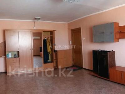 4-комнатная квартира, 82 м², 10/10 этаж, Жанасемейская 31 за 16.5 млн 〒 в Семее