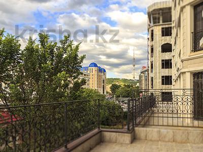 3-комнатная квартира, 118 м², Назарбаева — Хаджимукана за ~ 89.7 млн ₸ в Алматы, Медеуский р-н