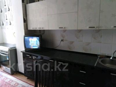 2-комнатная квартира, 55 м², 2/5 эт. помесячно, 28-й мкр 37 за 80 000 ₸ в Актау, 28-й мкр — фото 3