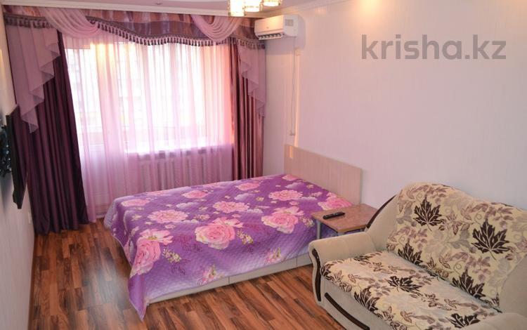 1-комнатная квартира, 30 м², 4/5 этаж по часам, проспект Республики 28 — Абая за 1 500 〒 в Нур-Султане (Астана), р-н Байконур