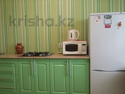 1-комнатная квартира, 40 м², 2/6 этаж посуточно, Ауельбекова — Момышулы за 6 000 〒 в Кокшетау — фото 2