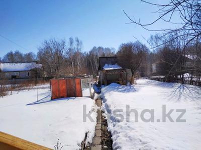 3-комнатная квартира, 63 м², 2/2 эт., Товарищеская за 10.8 млн ₸ в Щучинске — фото 2