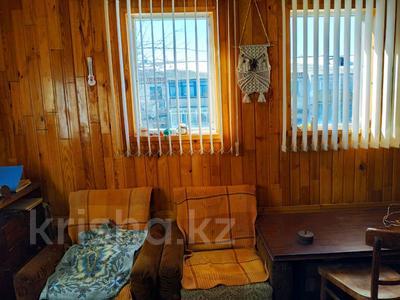 3-комнатная квартира, 63 м², 2/2 эт., Товарищеская за 10.8 млн ₸ в Щучинске — фото 14