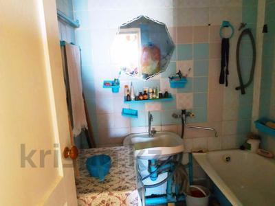 3-комнатная квартира, 63 м², 2/2 эт., Товарищеская за 10.8 млн ₸ в Щучинске — фото 12