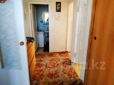 3-комнатная квартира, 63 м², 2/2 эт., Товарищеская за 10.8 млн ₸ в Щучинске — фото 8