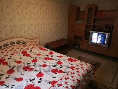 1-комнатная квартира, 30 м², 3/4 эт. посуточно, Центр 7 — Таукехана-Момышулы за 5 000 ₸ в Шымкенте, Аль-Фарабийский р-н — фото 3