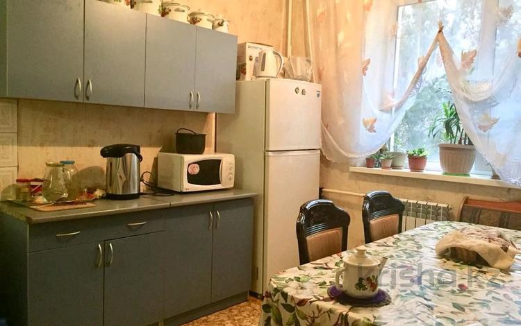 2-комнатная квартира, 54 м², 2/5 этаж, Райымбека(Ташкентская) за 11.5 млн 〒 в Алматы, Алмалинский р-н