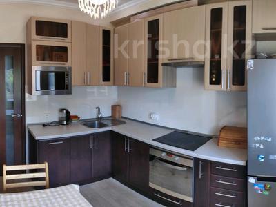 3-комнатная квартира, 81 м², 2/2 этаж, Ленина 68 за 18 млн 〒 в Караганде, Казыбек би р-н — фото 10