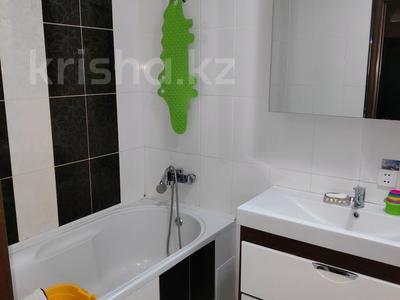 3-комнатная квартира, 81 м², 2/2 этаж, Ленина 68 за 18 млн 〒 в Караганде, Казыбек би р-н — фото 11