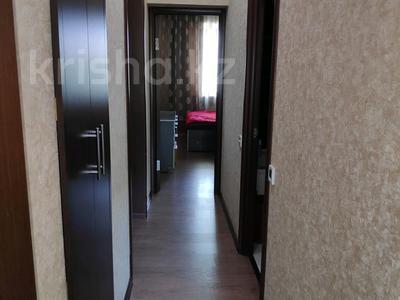 3-комнатная квартира, 81 м², 2/2 этаж, Ленина 68 за 18 млн 〒 в Караганде, Казыбек би р-н — фото 8