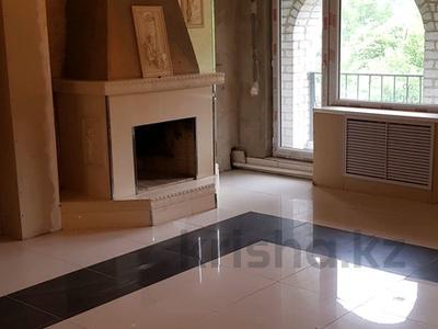 7-комнатный дом, 306 м², 6 сот., Дулатова за 34.2 млн ₸ в Алматы, Бостандыкский р-н