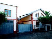8-комнатный дом, 180 м², 5.5 сот.