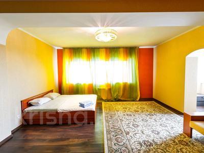 2-комнатная квартира, 85 м², 19/41 этаж посуточно, Достык 5/1 — Сауран за 12 000 〒 в Нур-Султане (Астана), Есильский р-н