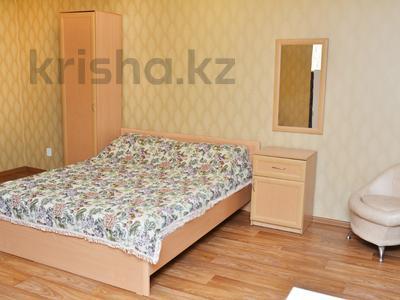 1-комнатная квартира, 39 м², 3/5 эт. посуточно, Лободы 28 — Ерубаева за 8 495 ₸ в Караганде, Казыбек би р-н — фото 6