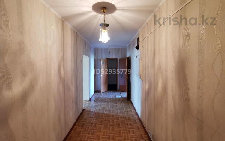 2-комнатная квартира, 76 м², 2/5 этаж, проспект Жамбыла 16 за 10.7 млн 〒 в Таразе