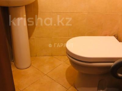 3-комнатная квартира, 115 м², 16/18 эт. помесячно, Навои 7 — Жандосова за 170 000 ₸ в Алматы, Ауэзовский р-н — фото 11