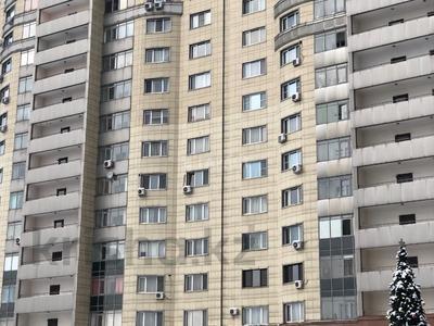 3-комнатная квартира, 115 м², 16/18 эт. помесячно, Навои 7 — Жандосова за 170 000 ₸ в Алматы, Ауэзовский р-н — фото 14