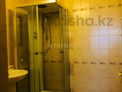 3-комнатная квартира, 115 м², 16/18 эт. помесячно, Навои 7 — Жандосова за 170 000 ₸ в Алматы, Ауэзовский р-н — фото 5