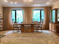 4-комнатная квартира, 200 м², 2/5 этаж