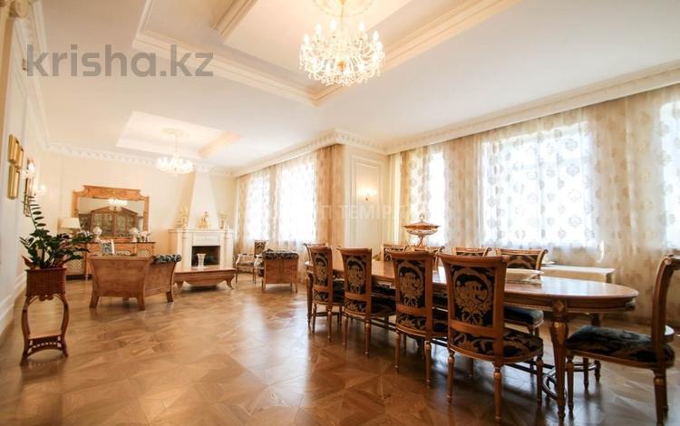 8-комнатный дом, 720 м², 14 сот., Аскарова Асанбая — Аль-Фараби за 490 млн ₸ в Алматы, Бостандыкский р-н
