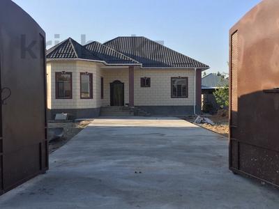 5-комнатный дом, 195 м², 8 сот., Ул.Саяхат 20 за 40 млн 〒 в Шымкенте, Каратауский р-н