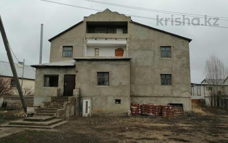7-комнатный дом, 420 м², 0.1385 сот., Заречный-2 за ~ 24 млн 〒 в Актобе