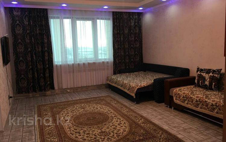 1-комнатная квартира, 45 м², 14/15 эт. посуточно, Қабанбай батыра 48 — Керей и Жанибек ханов за 7 500 ₸ в Нур-Султане (Астана), Есильский р-н
