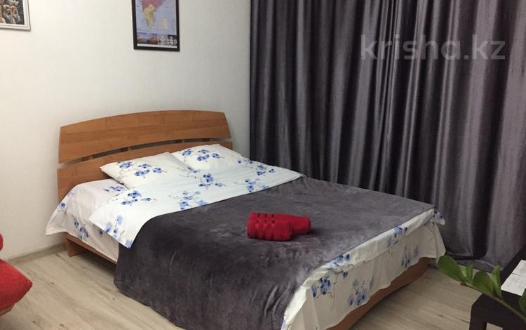 1-комнатная квартира, 37 м², 7/22 этаж посуточно, проспект Мангилик Ел за 9 000 〒 в Нур-Султане (Астана), Есильский р-н