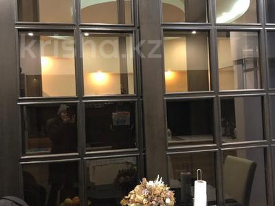 2-комнатная квартира, 102 м², 4/6 этаж, Жамакаева 258/5-12 за 57 млн 〒 в Алматы, Медеуский р-н