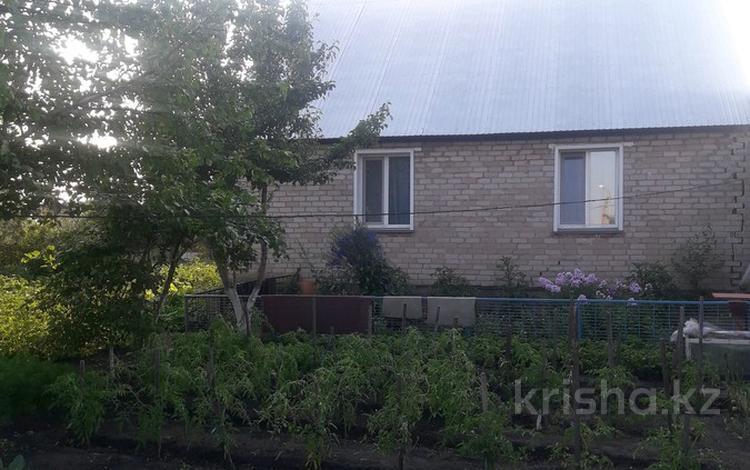 4-комнатный дом, 95.2 м², 10 сот., Ул.Космонавтов 46 за 9 млн ₸ в Петропавловске