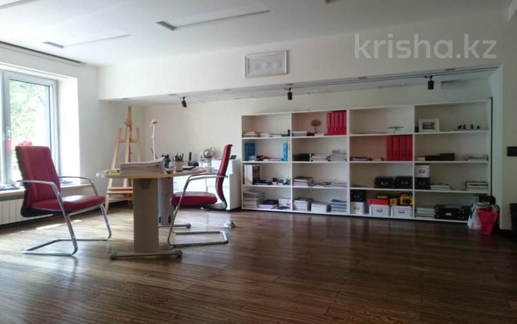 Офис площадью 825 м², Ауэзова — Жандосова за 2 млн ₸ в Алматы, Бостандыкский р-н
