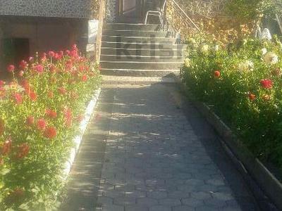 7-комнатный дом, 285 м², 15 сот., Восточная за 20 млн 〒 в Темиртау — фото 3