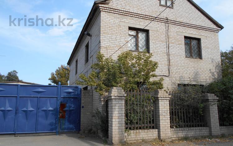6-комнатный дом, 339.1 м², 6 сот., Днепропетровская 41 — Чкалова за ~ 25.7 млн 〒 в Павлодаре